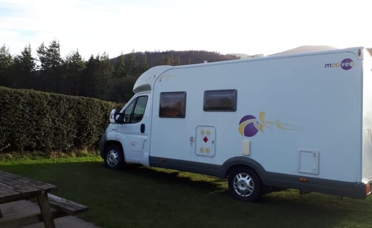 4 berth fixed bed motorhome