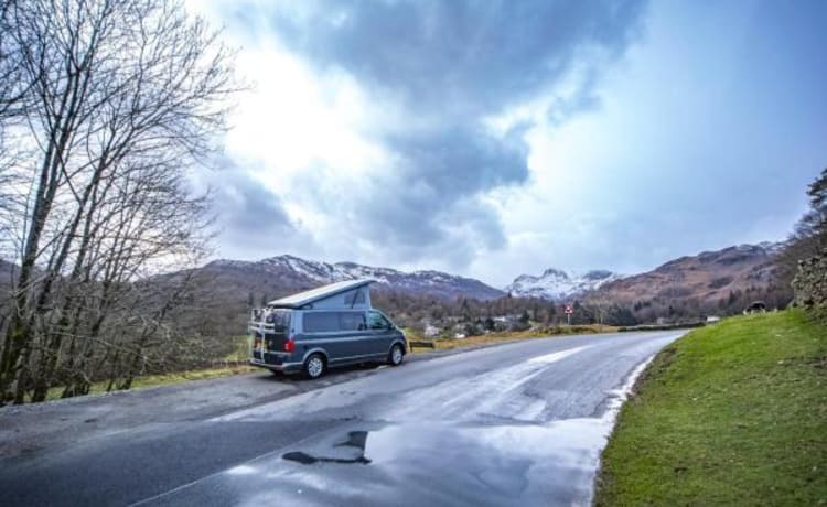 Grey VW Camper – Lake Windermere Luxe verwarmde camper