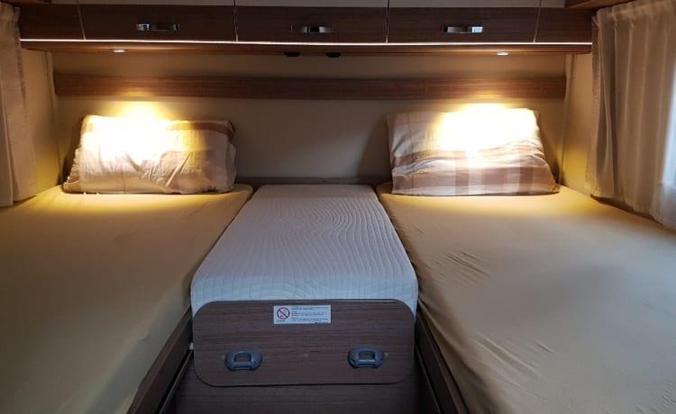Campercomfort Luxe en Nieuwe Camper Carado T337