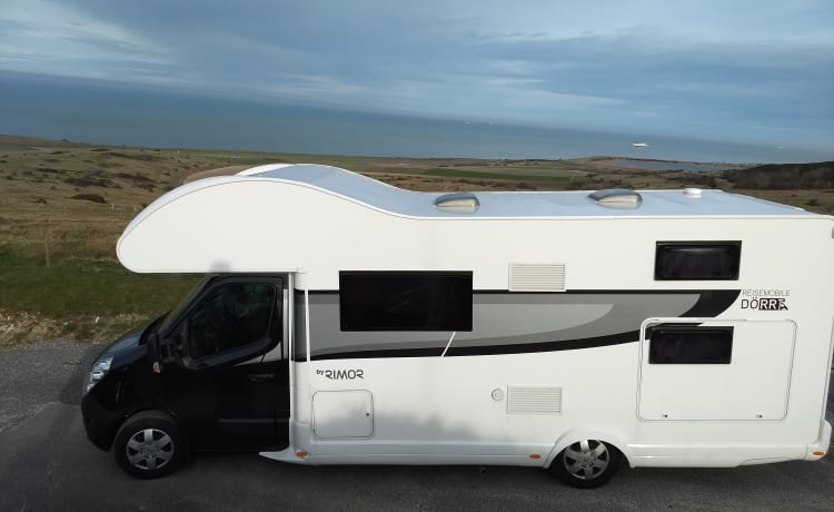 Rimor Two – Spacious and new family camper for max. 6 people (2)
