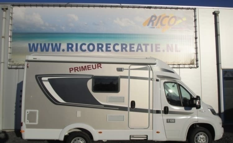 Spacious camper for 2 people, French bed / CC3