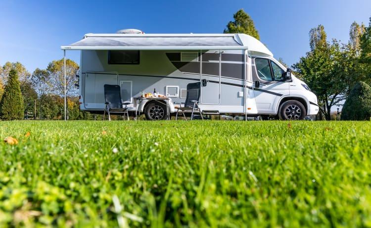 Prova il massimo della sensazione di vacanza in questo super lussuoso camper Sunlight T68