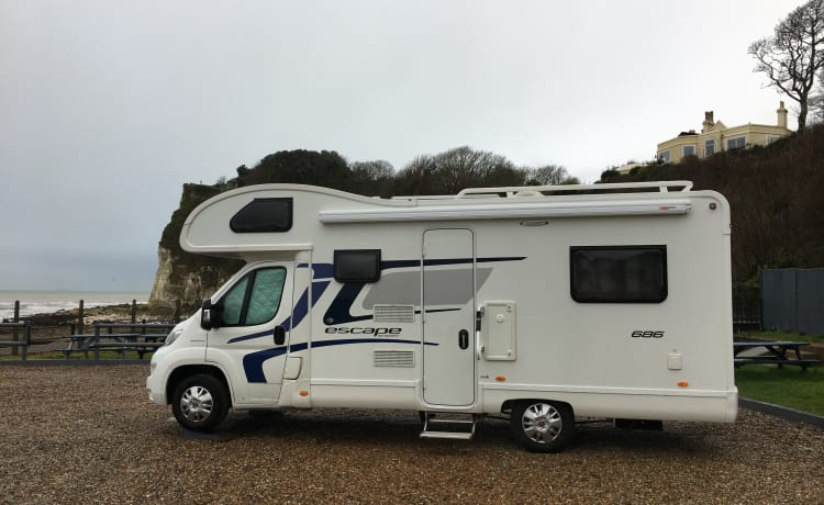 Doug! – Spacious 6 berth family Motorhome, winter ready, and with solar panel.