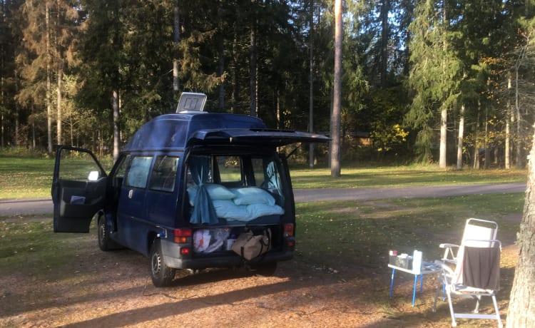 Ruime gezellige VW Transporter t4 2.5 TDI Camper met vast hoog dak