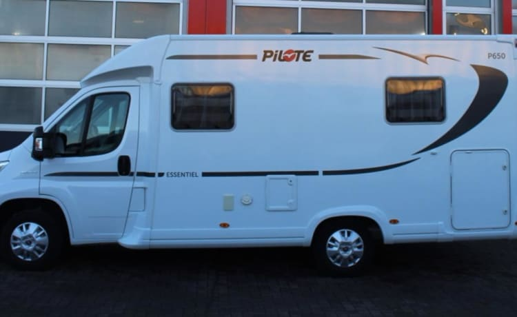 Compact Pilote P650C for rent!