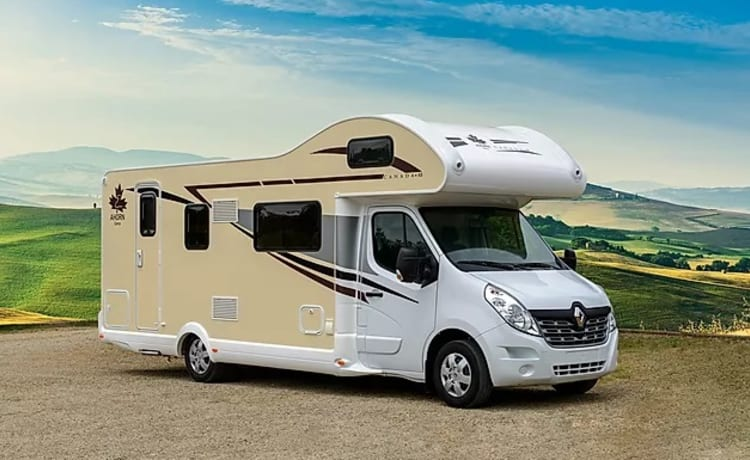 Canada – Beautiful large camper