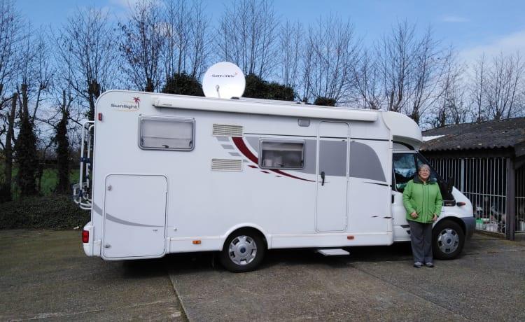 Camper starten...Uw vakantie is nu begonnen in een mooie Sunlight T65