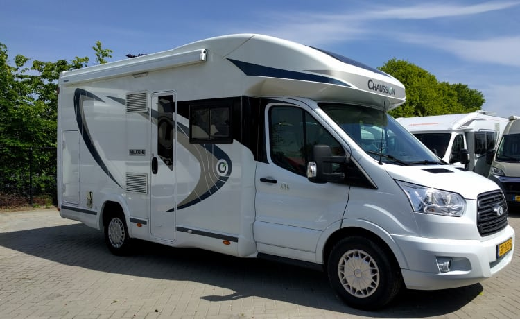 Chausson 616, Corona proof! With awning, 5 seats & 4 sleeping places