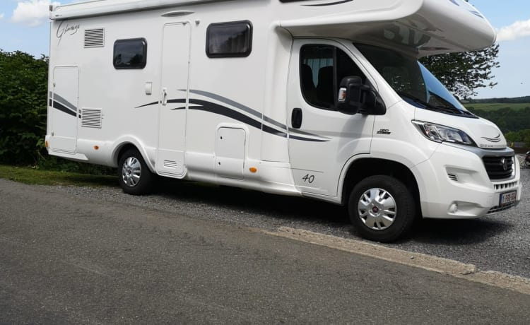 MC Louis Glamys – Cozy motorhome 6p