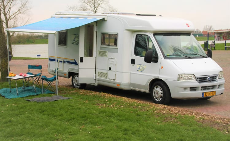 Kairos – Beautiful, complete camper, suitable for dogs