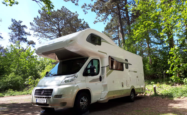 Camper 1 – Spacious and luxurious 6-person camper incl. Playstation 4