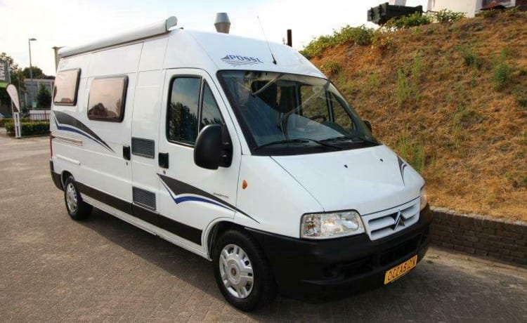 Traveling with a compact 3-seater bus camper