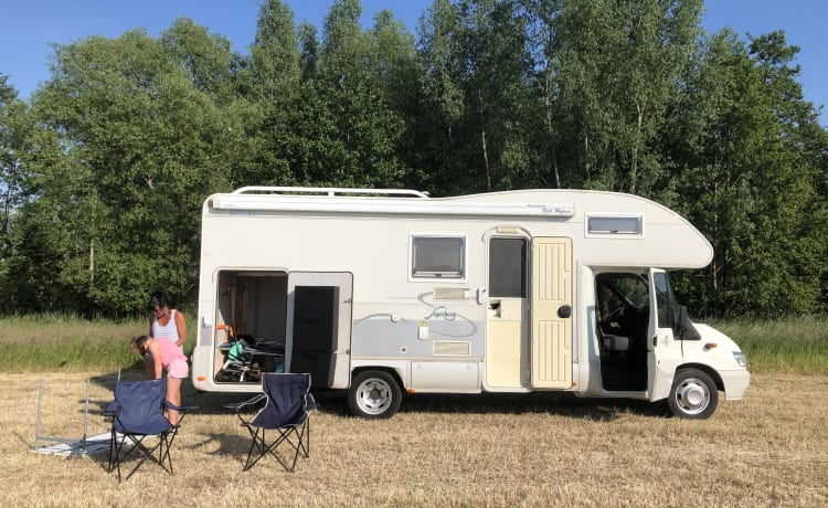 Superbrig – Spacious family motorhome with large garage