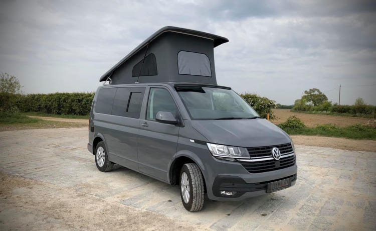 Little Grey – VW T6.1 new luxury conversion by Steve of DubMotion