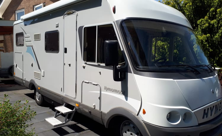 In affitto bellissimo camper Hymer per 6 persone