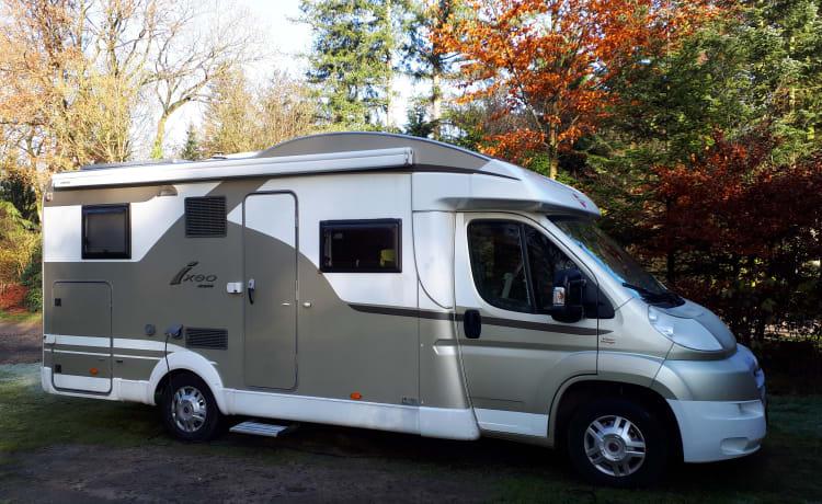 Burstner Ixeo 674it – Great spacious semi-integrated camper Fiat Burstner