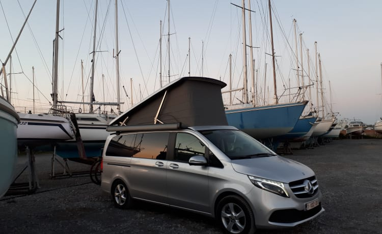 Kleicamper – Splinternieuwe Mercedes Marco Polo 300d 4 Matic 174kW full option