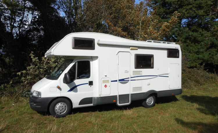 EASY 3 MOTORHOME HIRE JUST TURN UP AND GO