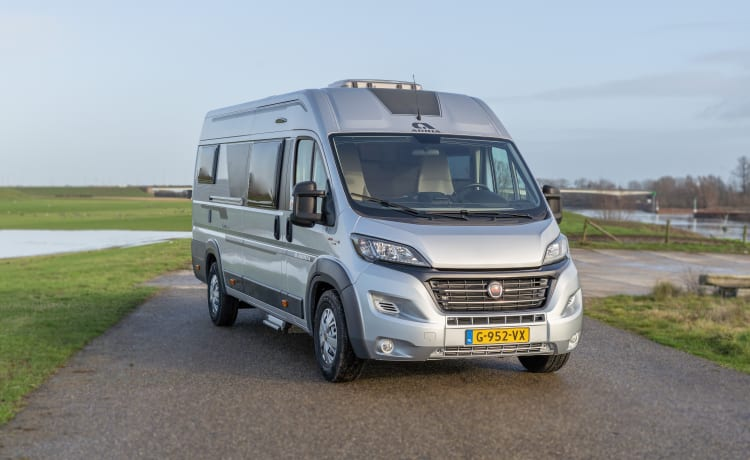 Super luxury bus camper, length beds, lots of space. Brand new and spotlessly clean