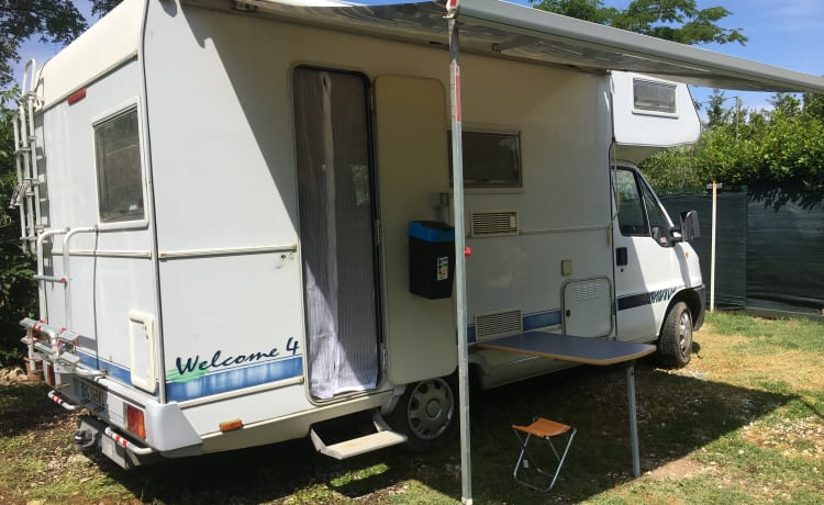 Fiat ducato attic camper in the heart of Tuscany