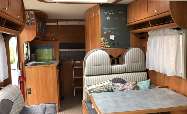 Experience the freedom with this wonderfully spacious camper