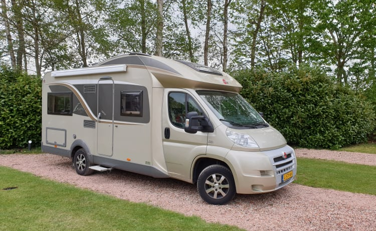 Golden Dream – Luxurious, light, spacious, 4 pp Burstner camper