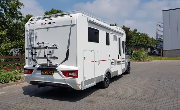 Adria Matrix 670sl – Very nice, spacious, luxurious, clean and fully furnished