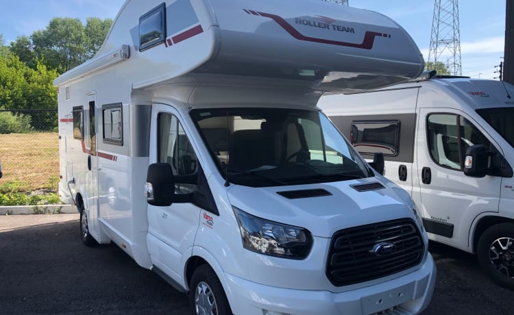 Roller team Kronos 277m – Beautiful recent family mobile home