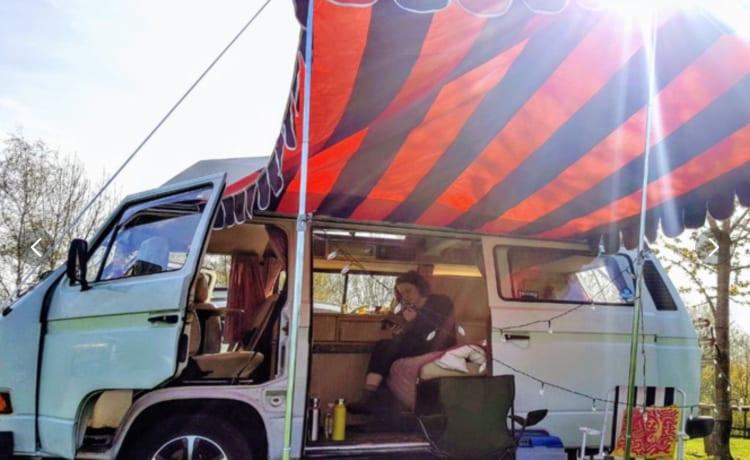 Frieda – Frieda la Volkswagen T3 / T25 Campervan