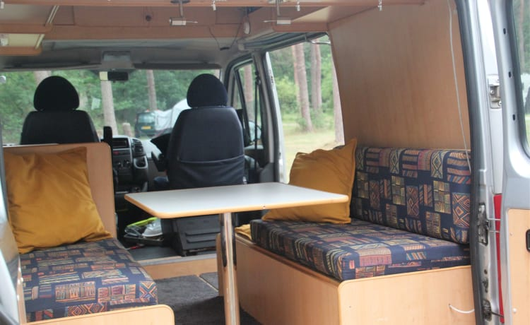 Otje – Bus camper two people