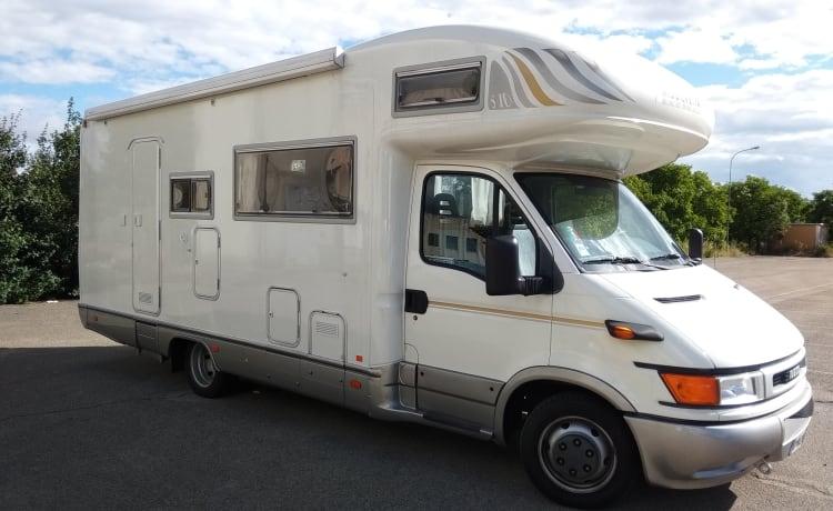 Mobilvetta ICARO S10 – Plenty of room for a nice family vacation!