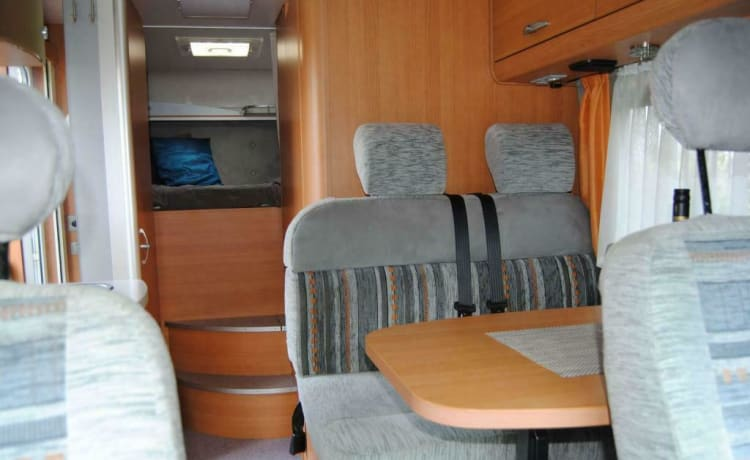 Compact Knaus motorhome - for the ultimate holiday experience!