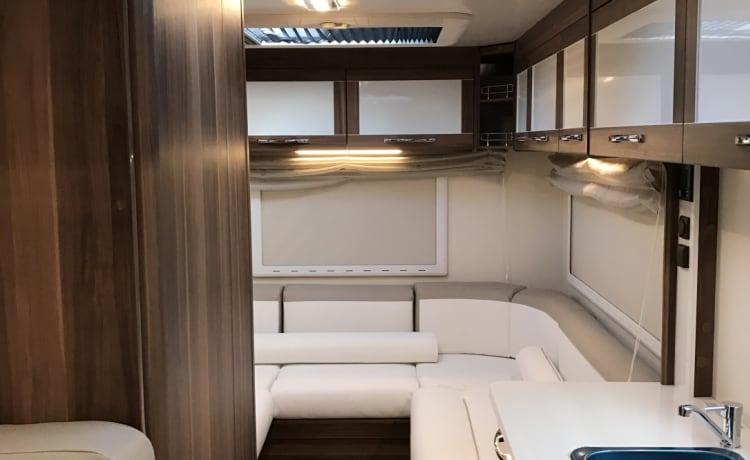 Explorer – Luxe camper met 5 slaapplaatsen