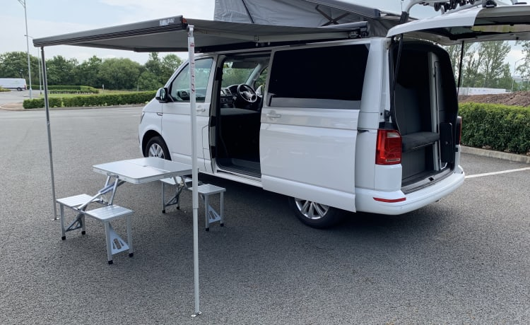 Rufus - VW Transporter T6 Campervan - 2020 Professional Conversion