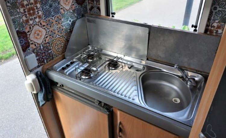 Hymer Swing – comfortable complete spacious modern Hymer Swing.