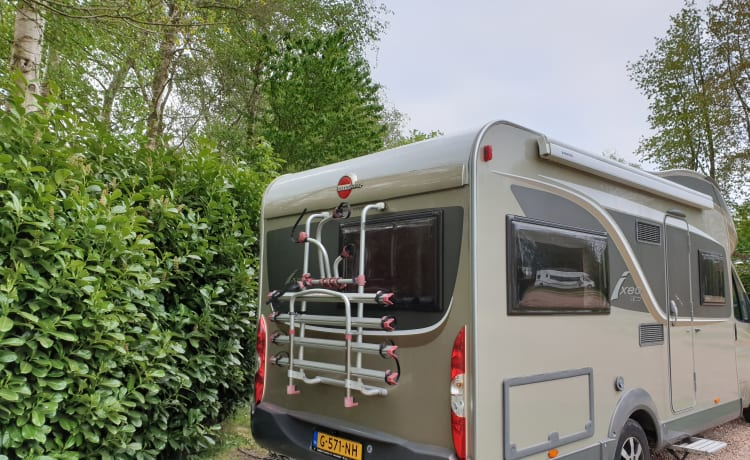 Golden Dream – Luxurious, bright, spacious, 4 pp Burstner camper