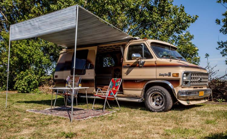 Chevy Baby – American Cowboy Chevrolet Camper Van
