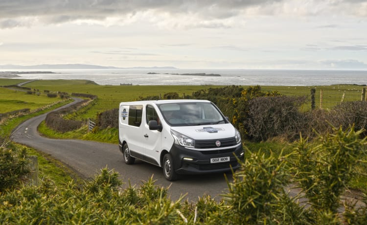 Kit – Dun-Lucy – Renault Traffic – Sleeps 2 – Travels 5