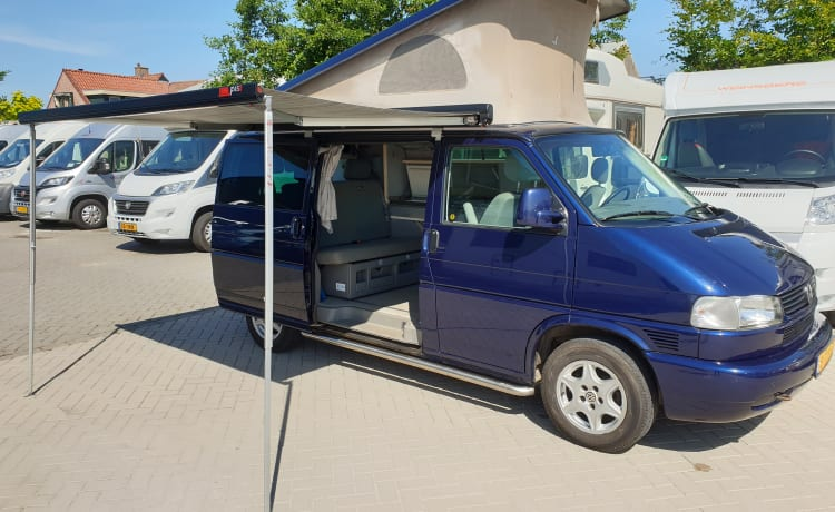 VW T4 California, sleeping 4 people, Corona proof.