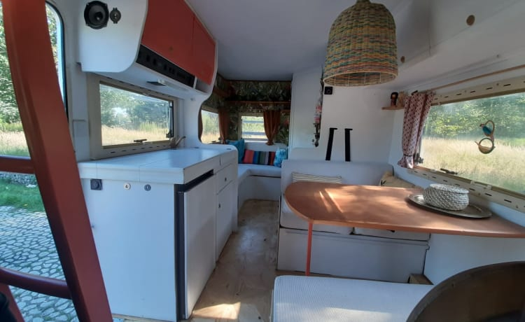 Spacious attractive and fully equipped alcove camper.