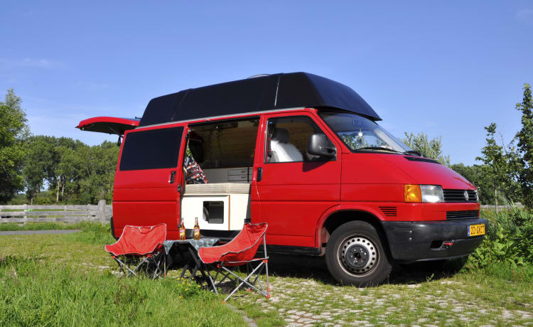 Ex VW fire engine (off-grid & automatic)