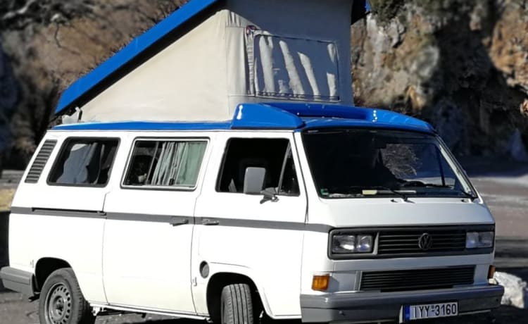 LONA – CamperVan sleeps 4 to explore Greece