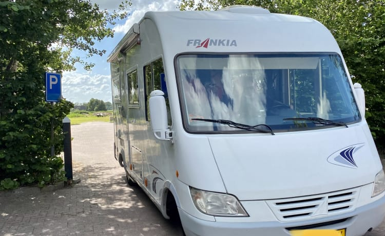 Beautiful reliable camper (2-4 persons)