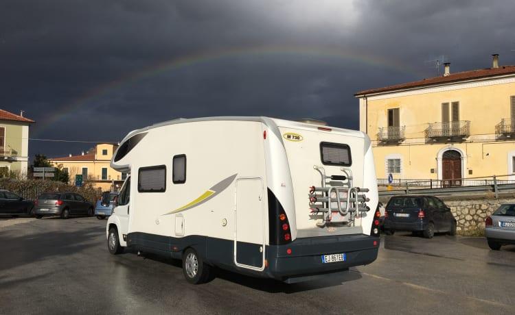 PLA738M2011 – Zolder camper 2011