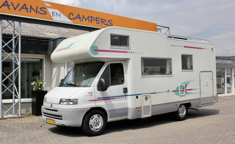Trudy – 2021 NO BOOKINGS - Spacious family camper with powerful engine!
