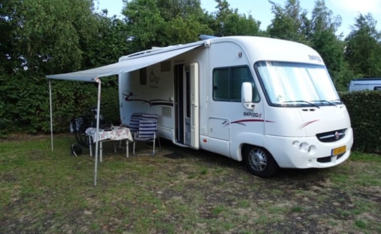 Rapido – Very spacious 4-person Rapido
