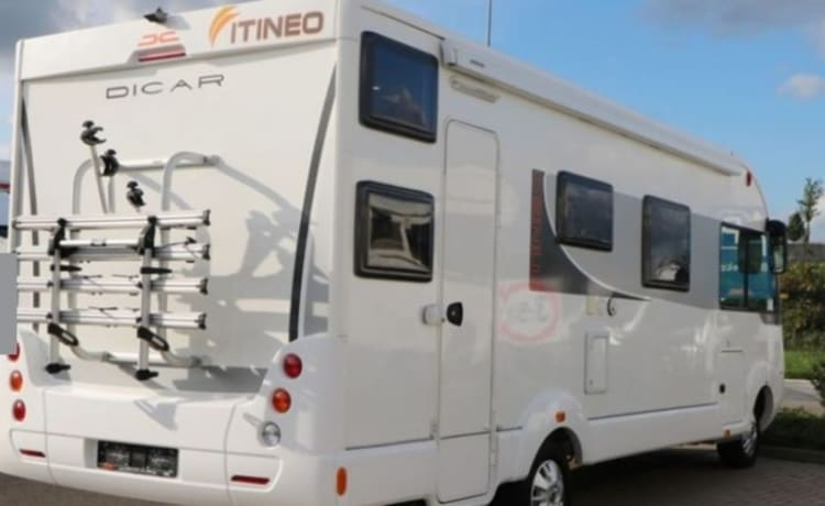 Itineo sb720 6places self-sufficient with solar panels etc.