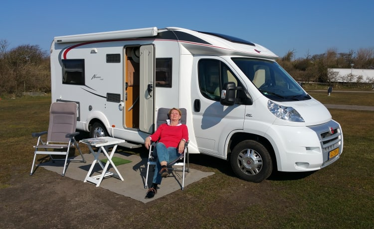 Bürstner Nexxo T660, beautiful comfortable and compact camper