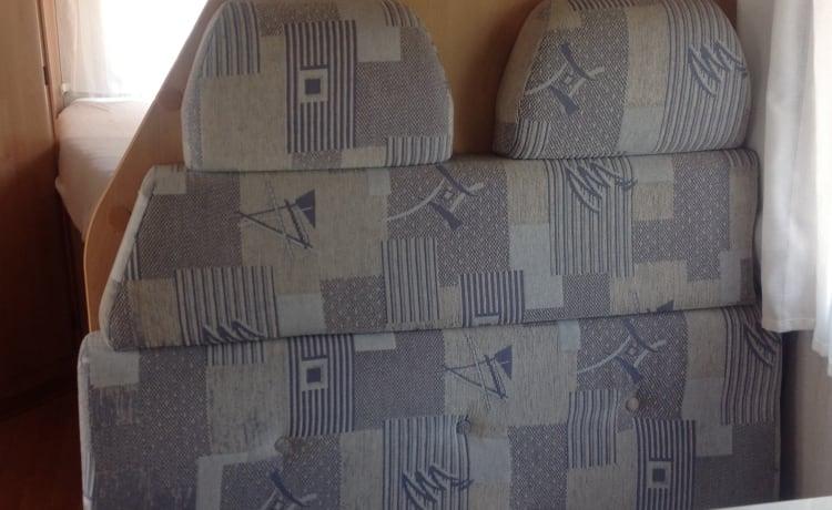 In affitto: camper confortevole completamente attrezzato.