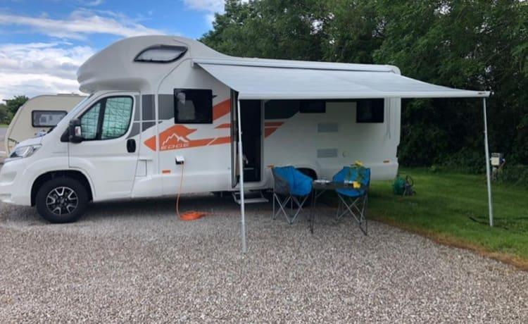 Huur onze gloednieuwe camper